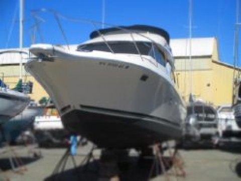 Bayliner 32 Avanti – SOLD!