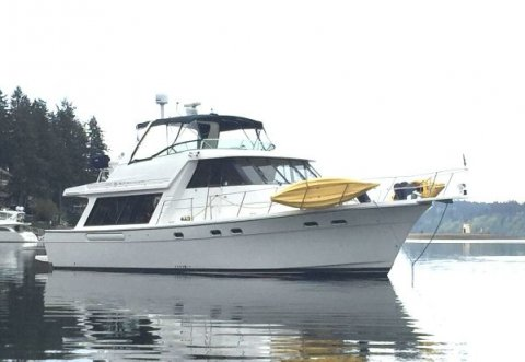 47′ Bayliner 4788 Pilot House Motor Yacht  SOLD